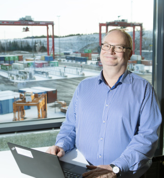 Pekka Yli-Paunu and the test field at Kalmar Technology and Competence Centre in Tampere