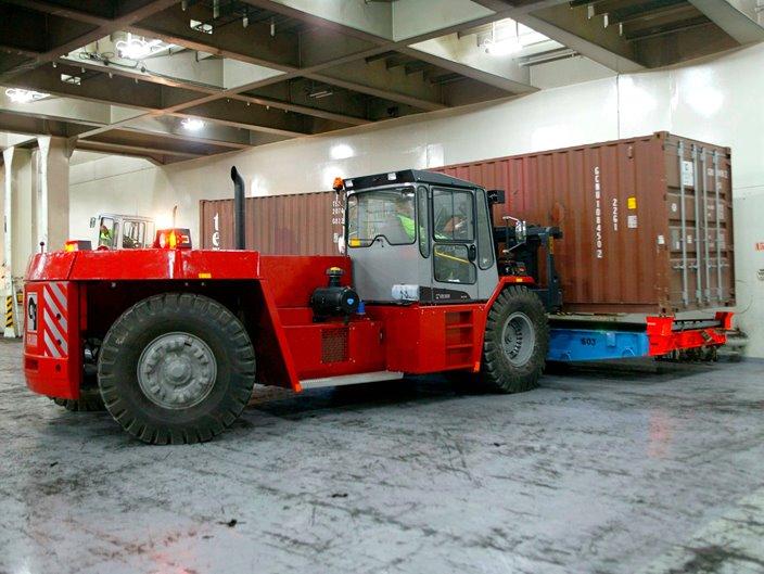 Forklift trucks 18–52 ton | Kalmarglobal