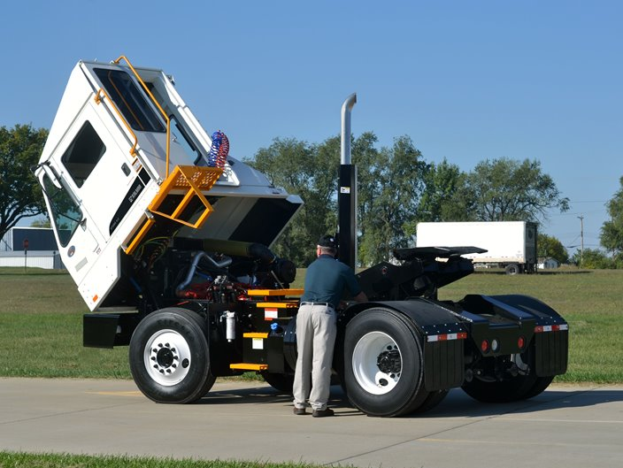 kalmar ottawa 4x2 and 6x4 terminal tractor
