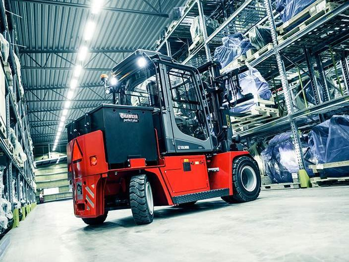 5 Ultimate Benefits of Electric-Powered Forklifts