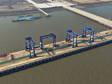 Kalmar celebrates jetty opening in China
