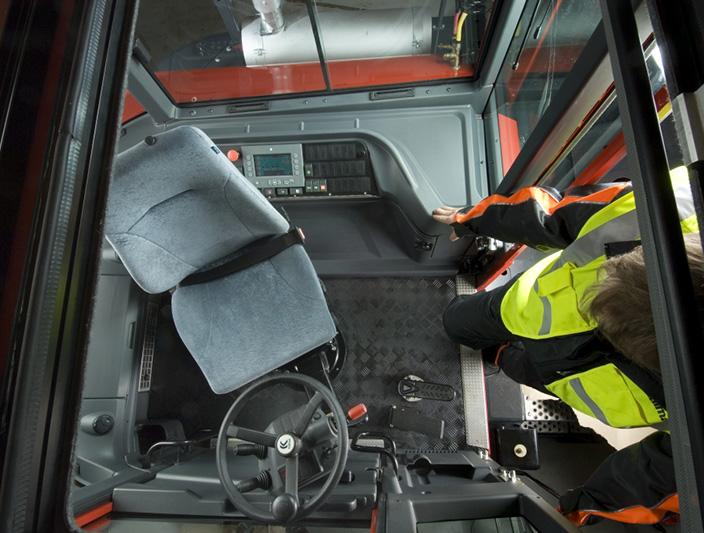 tr618i 013?width\=704\&height\=529\&mode\=crop kalmar ottawa fuse box location wiring diagrams capacity yard truck fuse box location at readyjetset.co